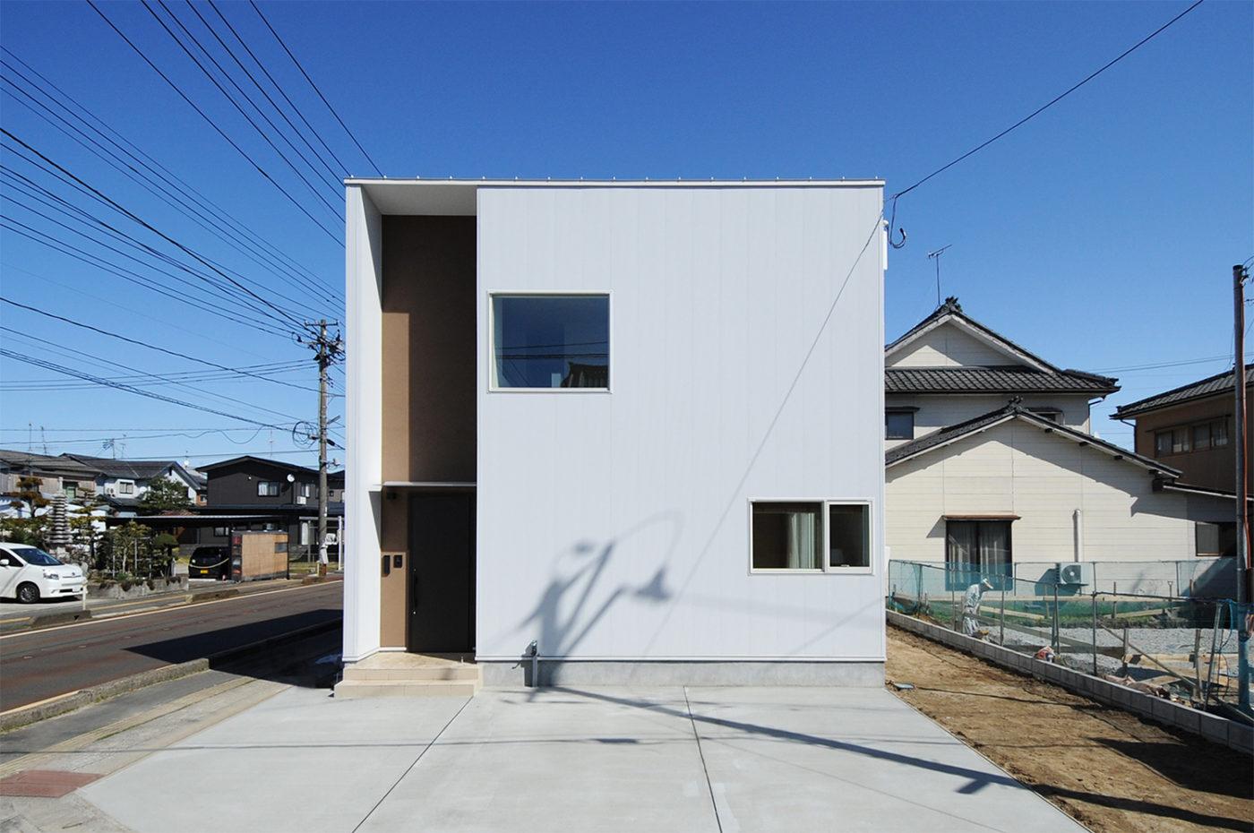 新発田市住吉町 / ROMO